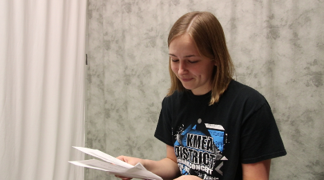 Seniors read freshman letters