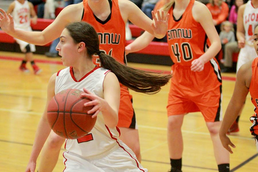 Girls basketball team falls to SMNW