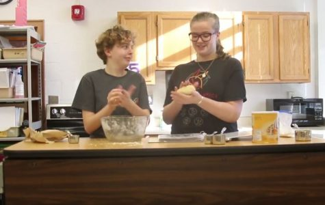 Staffer tries making a pie
