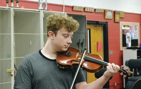 Fiddle Club prepares for multiple performances