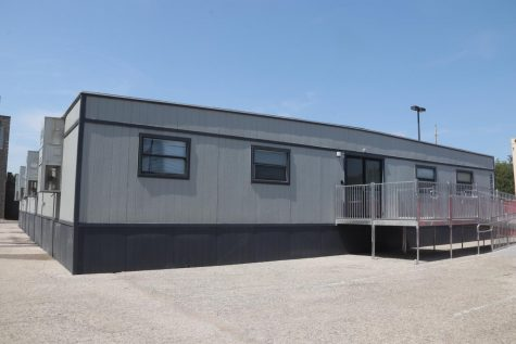 Teachers Struggle to Adjust to Portable Classrooms