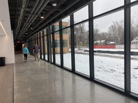 Students stay inside on their way to newly-opened annex classes